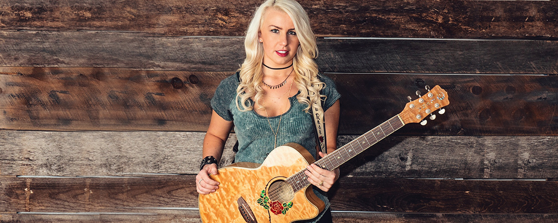 Jessica Rose - Luna Guitars Artist
